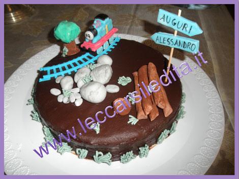 Leccarsi le dita le mie torte decorate for Decorazioni torte trenino thomas